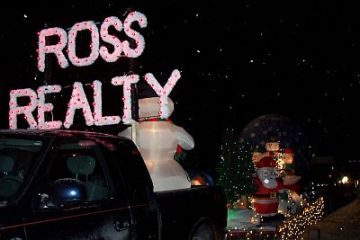 LeSueur Holiday Parade Ross Realty float